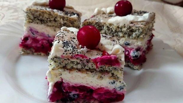 Традиційний рецепт пиріжків з вишнями в духовці: спробуйте, і ви точно не пошкодуєте
