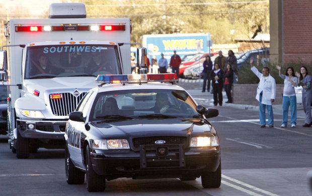 """Думала убьет: испуганная женщина вызвала полицию от """"маньяка""""-пылесоса"""