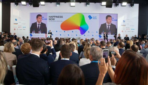 """Украинцы требуют от Зеленского пересмотреть условия труда: """"Преступление и рабство"""""""