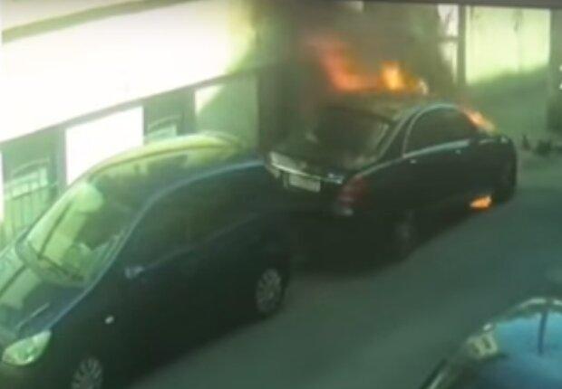 поджог автомобиля Болдина в Одессе, скрин с видео
