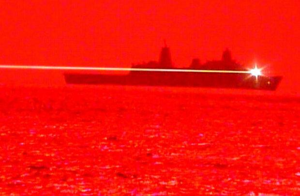 Постріл лазерною зброєю ВМС США \\ скріншот з відео
