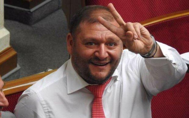 """Порошенко и Добкин """"конструктивно"""" пообщались в сети: """"Иди н***й, пьяное ч*чело"""""""