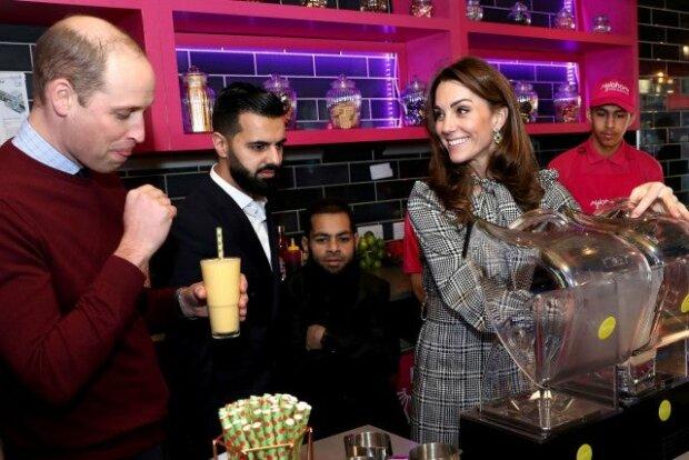 Кейт Міддлтон та принц Уільям в пакистанському ресторані Бредфорда