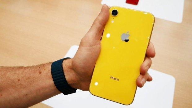 iPhone XR испытали на прочность: видео