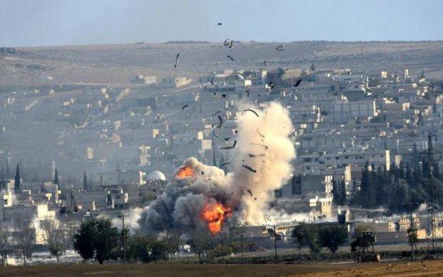 Массированный авиаудар в Сирии: погибли десятки людей