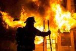 Популярний ТРЦ охопило неконтрольоване полум'я, відомо про 19 жертв: відео з місця трагедії
