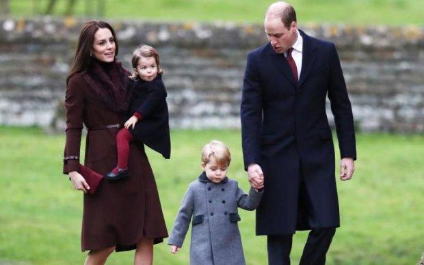 Спадкоємці престолу: стиль королівських дітей по всьому світу