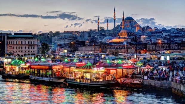 Найкрасивіші курортні містечка Європи: обіймають теплою ковдрою любові і тиші