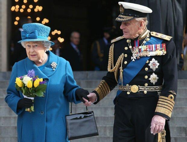 Принц Філіп ″втік″ з лікарні напередодні Різдва, щоб провести свята з королевою