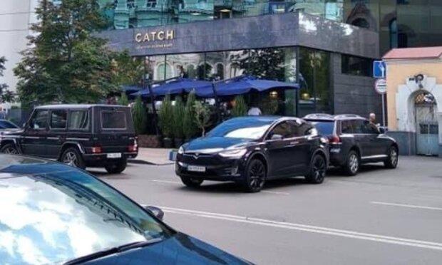 Tesla Богдана, фото Телеграм