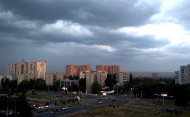 Погода в Харькове на 10 июля: ныряйте в куртки, лето берет затяжной тайм-аут