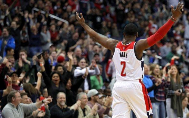 НБА: Данки Джеймса и Уолла среди лучших моментов игрового дня