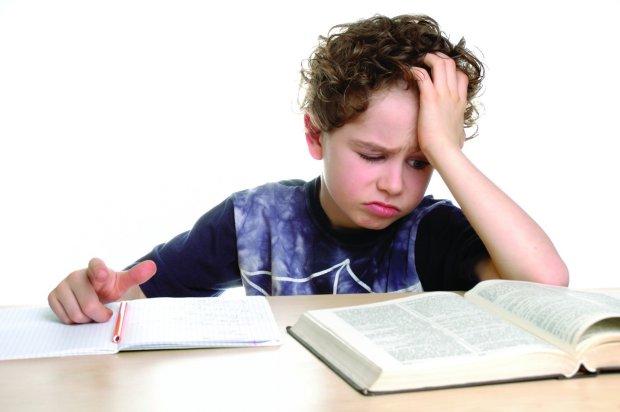 7-летний мальчик пожаловался полицейским на тяжелое домашнее задание. Невероятно, но они действительно ему помогли