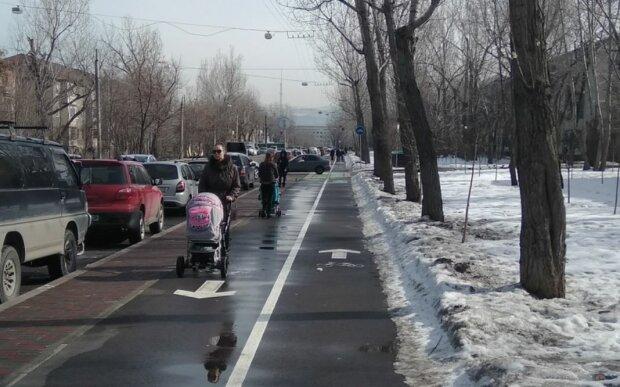 С колясками, фото: pikabu.ru