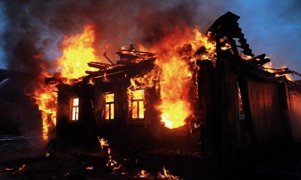 Пекельне полум'я вбило сім'ю депута: дружина і четверо дітей опинилися у вогняній пастці