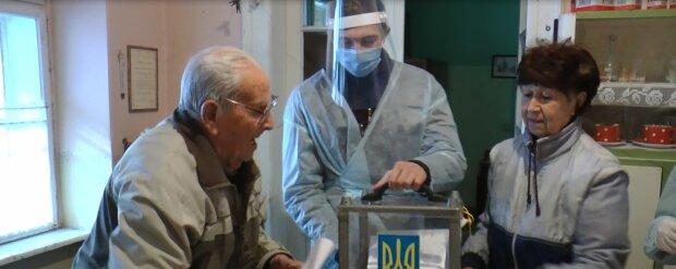 103-летний закарпатец проголосовал за мэра, Суспыльне Закарпатье