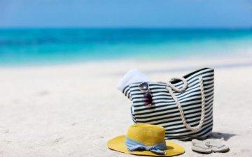 Секс на пляже во время отпуска