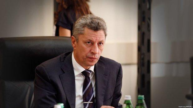 """""""Таланти"""" Юрія Бойка обійшлися українцям у кілька мільйонів, """"справжній пройдисвіт"""", - журналіст"""