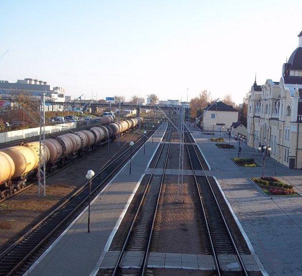 Видворення росіян з України та колапс на залізниці: воєнний стан очима юристів