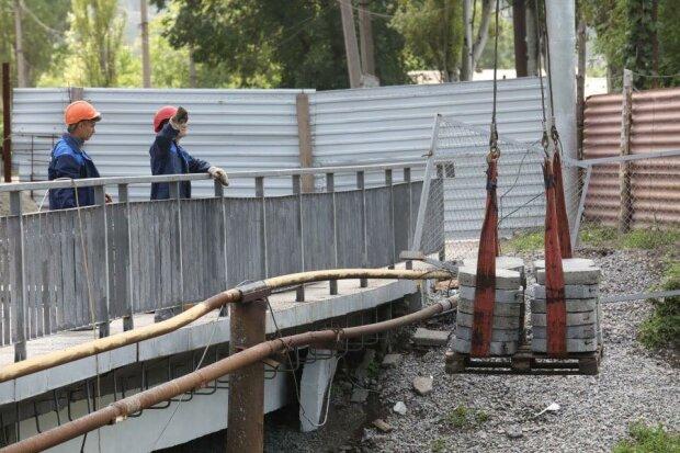 Буряк заставит запорожцев наматывать лишние километры - ремонт путепровода затянулся