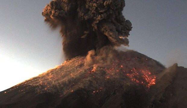 Извержение Попокатепетля, скриншот с видео