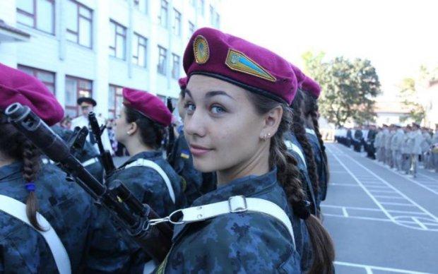 Українські прикордонниці спокусили мережу гарячими танцями: відео
