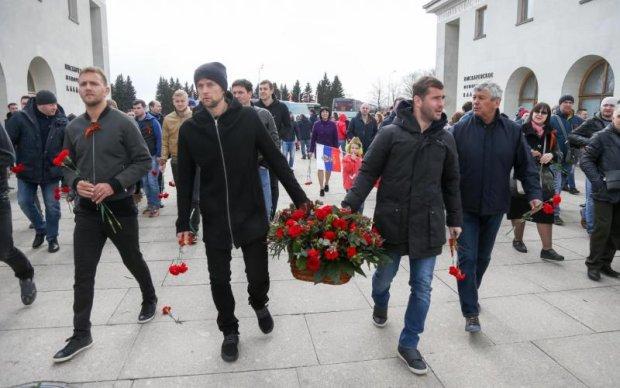Екс-капітан збірної України брехливо підтримав бійців АТО