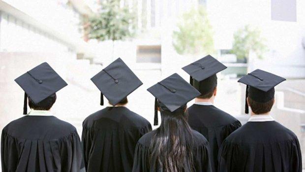 Вступ до ВНЗ 2019: Кабмін критично скоротив місця по всіх факультетах