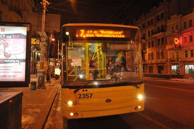 Транспорт в новогоднюю ночь: киевлянам показали расписание последних маршрутов