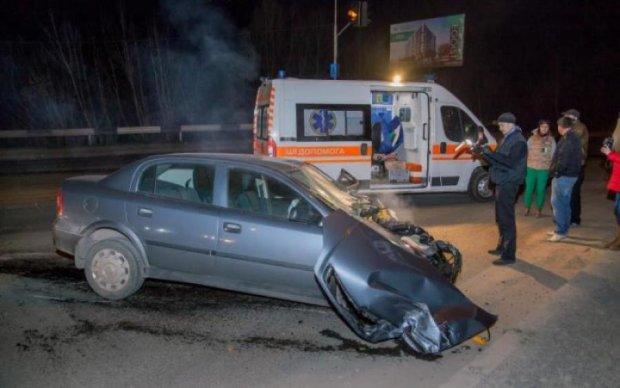 Спецефекти у стилі Форсаж: перегони київських водіїв закінчились реанімацією