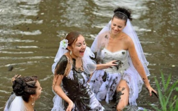 Сільське весілля по-російськи: ці фото змусять реготати всіх