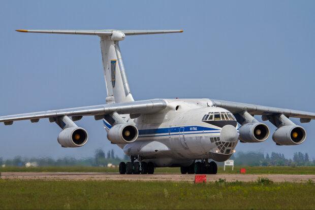 Из Украины в Китай срочно отправился самолет, зачем военные поднялись в воздух во время карантина