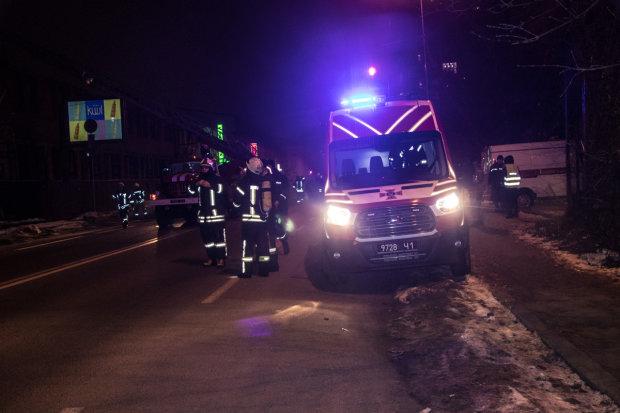 Адская ночь в Полтаве: неизвестные подожгли сразу 6 авто