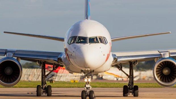 Літак зі 118 пасажирами на борту розбився, перш ніж злетіти: перші кадри