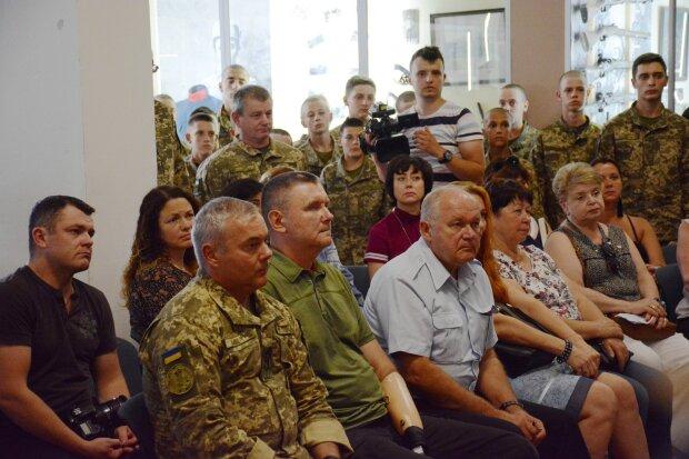 """Генштаб ЗСУ несе втрати, перший """"летить"""" Хомчак: що буде з армією до кінця 2019 року"""