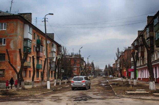 В Донецке раздают квартиры почти даром, но те и с доплатой никому не нужны: блеск и нищета русского мира