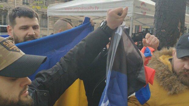 Ветераны АТО на митинге в Париже, фото: Обозреватель