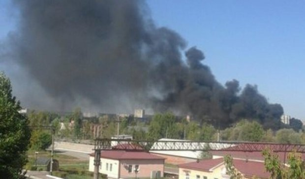 У Харкові горить нафтобаза (фото)