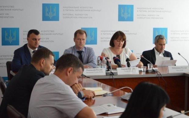 Минюст нашел виновных в провале антикоррупционной реформы