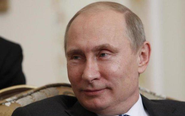 Російські ЗМІ сполошились: Путін зник