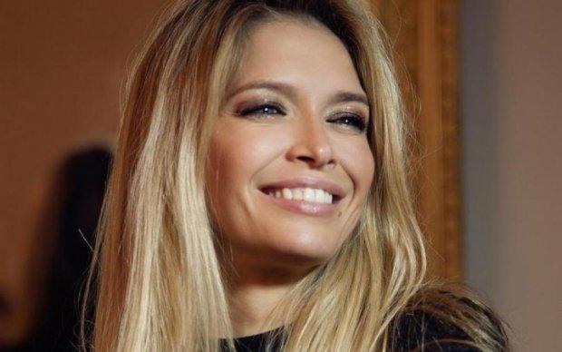 Латекс і зухвалий макіяж: Брежнєва представила новий кліп