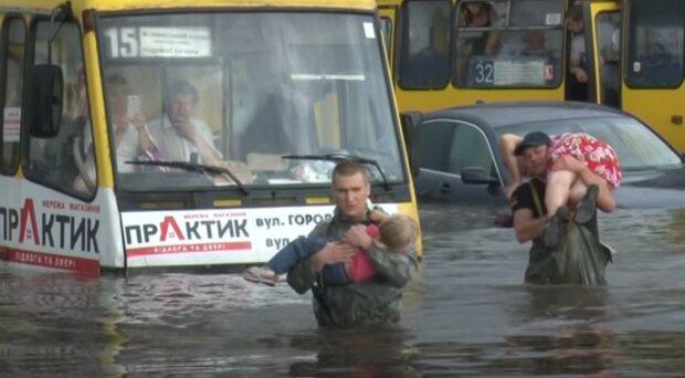 На Львовщину надвигаются ливни с градом