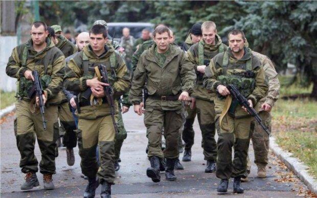 """Заместитель главаря """"ДНР"""" не смог сдержать естественный позыв при виде Захарченко: фото"""
