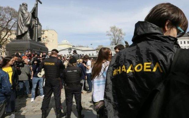 Кремль сосчитал задержанных антипутинских активистов