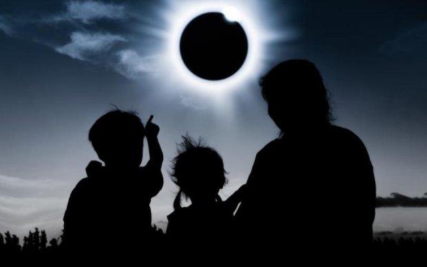 Як земляни зустріли сонячне затемнення: фото