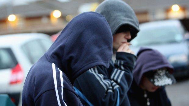 Привязали к дереву и накормили таблетками: самосуд над подростком в Киеве получил продолжение