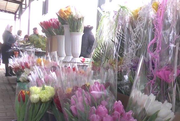 Квіти на 8 березня, кадр з відео