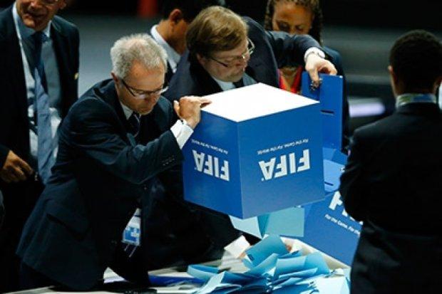 На выборах президента ФИФА назначили второй тур