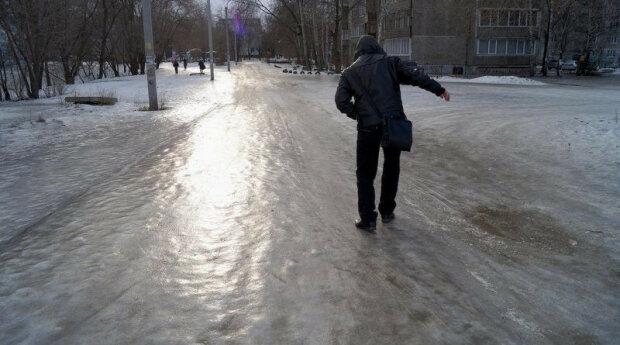 """Черновчане штурмуют травмпункты, врачам не хватает рук: """"Привет коммунальщикам!"""""""