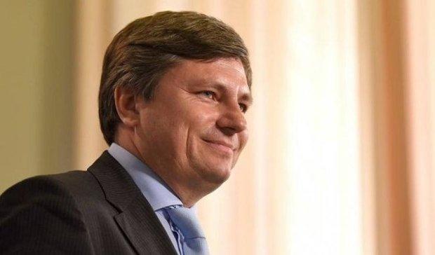 Порошенко збирає екс-регіоналів для реалізації Мінських угод